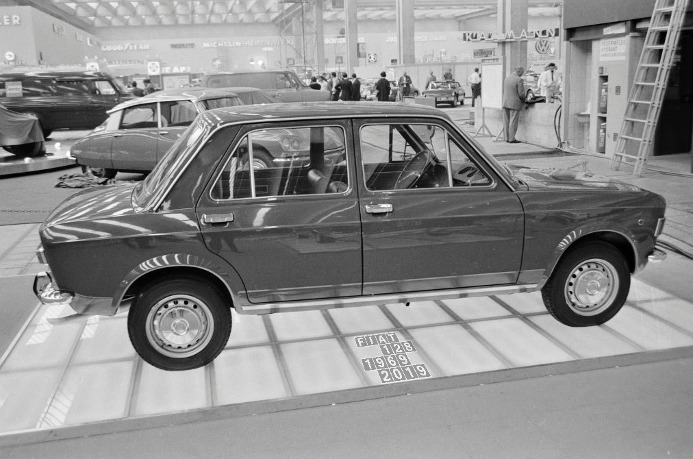1969_09_11_FrankfurtMotorShow_3_vs.jpg