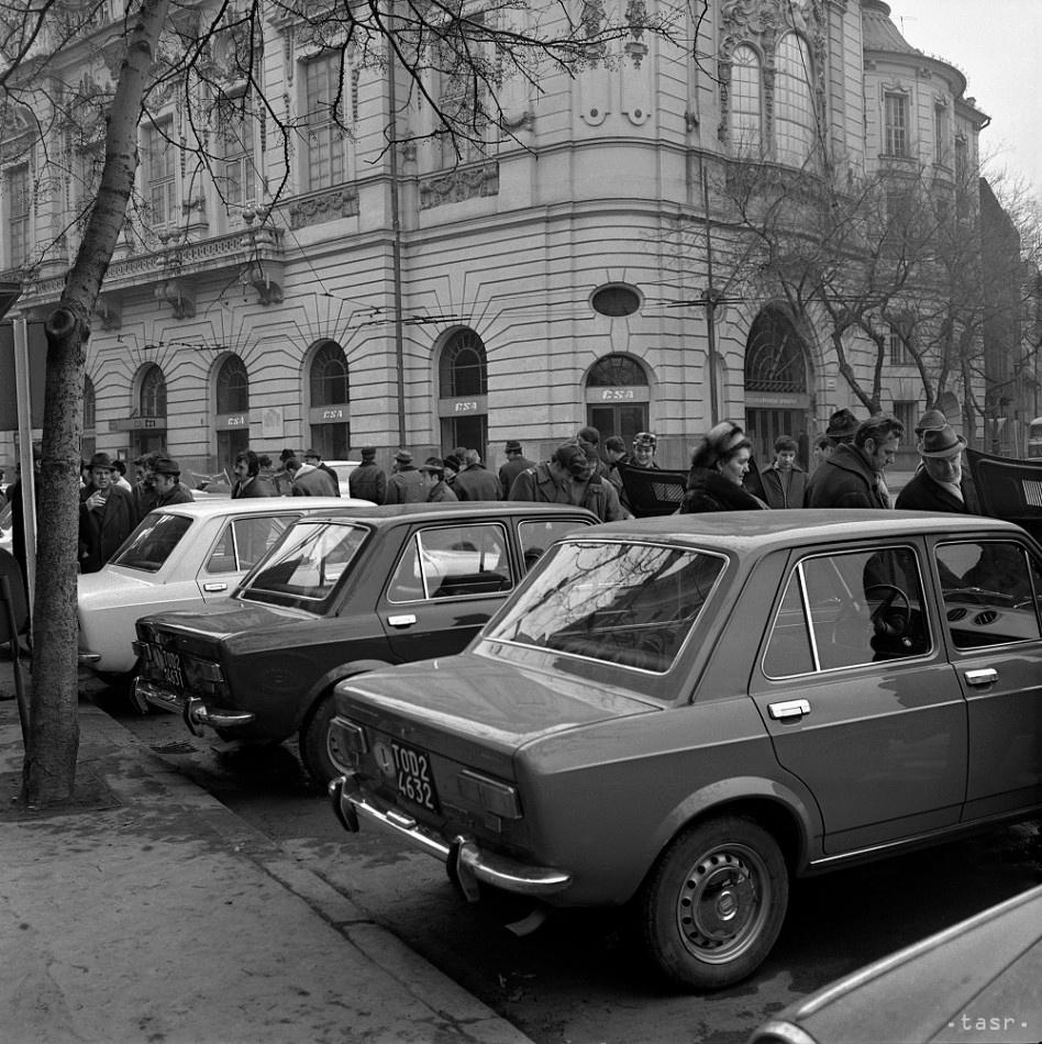 1970_03_15_Bratislava_predstavenivozu.jpg
